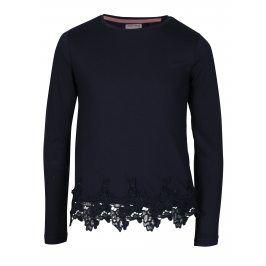 Tmavě modré holčičí tričko s krajkovým lemem 5.10.15.