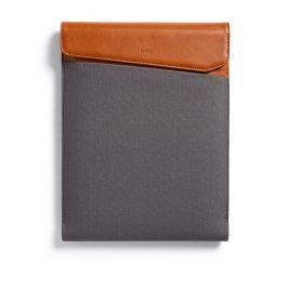 Hnědo-šedý obal na notebook s koženými detaily Bellroy Laptop Sleeve Extra 15
