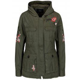Khaki bunda s kapsami a nášivkami ONLY New Becca