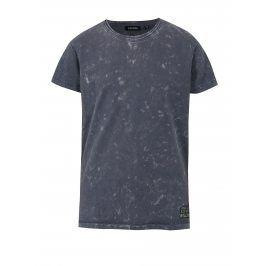 Tmavě modré klučičí žíhané tričko s potiskem na zádech Blue Seven