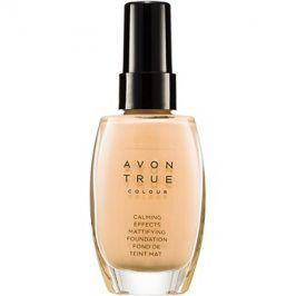 Avon True Colour zklidňující make-up pro matný vzhled odstín Nude 30 ml